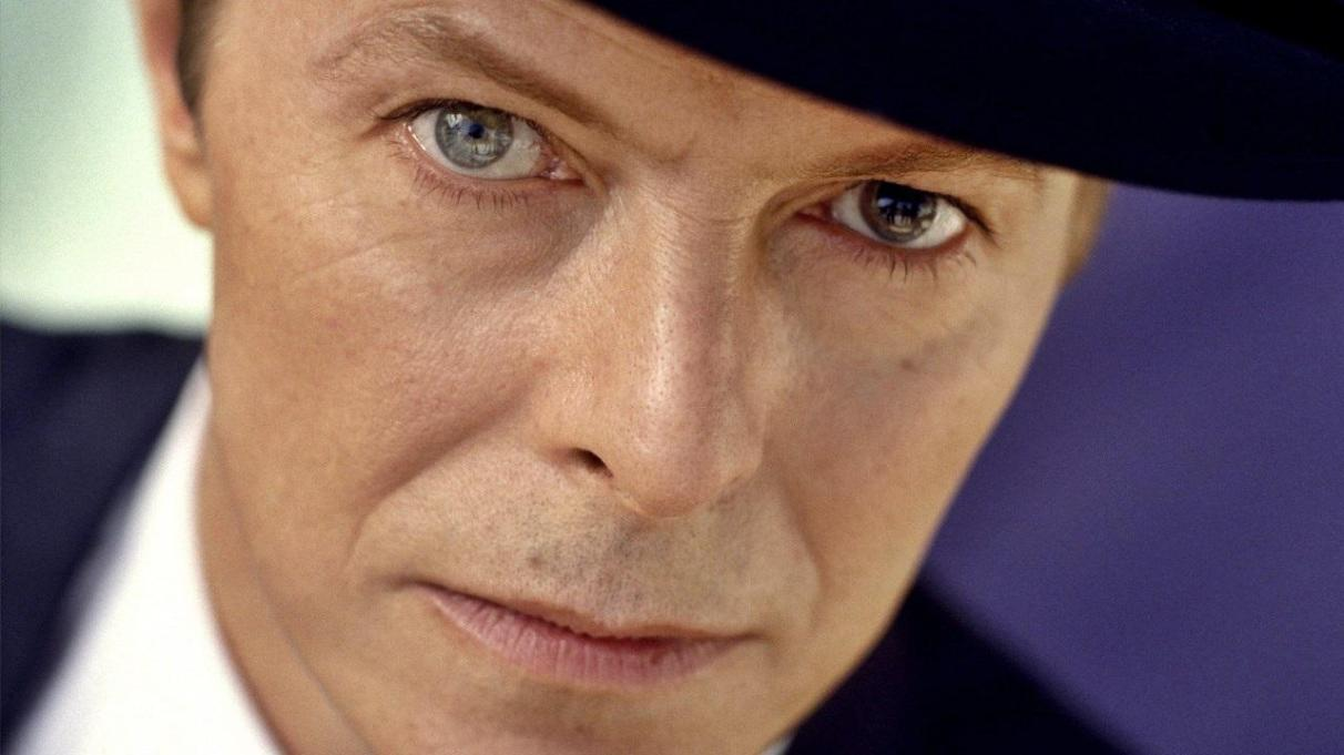 david-bowie-eyes-39555063